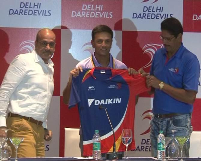 5 पूर्व दिग्गज आईपीएल खिलाड़ी जो अब आईपीएल टीम के हैं कोच