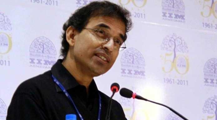हैरान करने वाली खबर, हर्षा भोगले को आईपीएल-9 की कमेंट्री टीम से हटाया