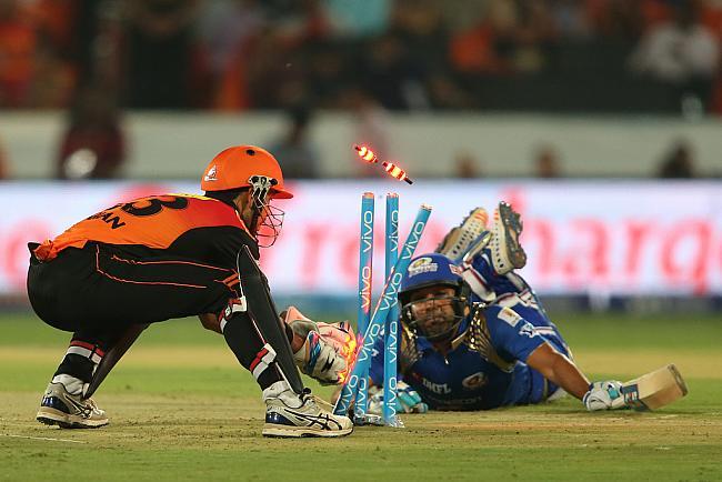 आईपीएल 9: आज मुंबई और धवन के खराब प्रदर्शन के बाद लोगों ने खुब उड़ाया दोनों का मजाक 27