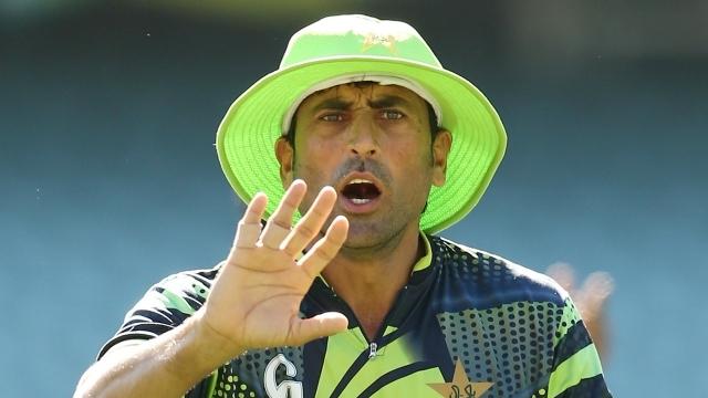 पाकिस्तानी खिलाड़ियों को एक- एक आलीशान घर देने की घोषणा करने वाले रियाज मलिक पर यूनिस खान ने इस कारण उतारा अपना गुस्सा 26