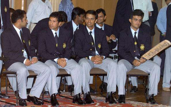 5 मामले जब क्रिकेट दौरे पर कुछ खास अंदाज में क्रिकेटरों ने की मौज-मस्ती 14