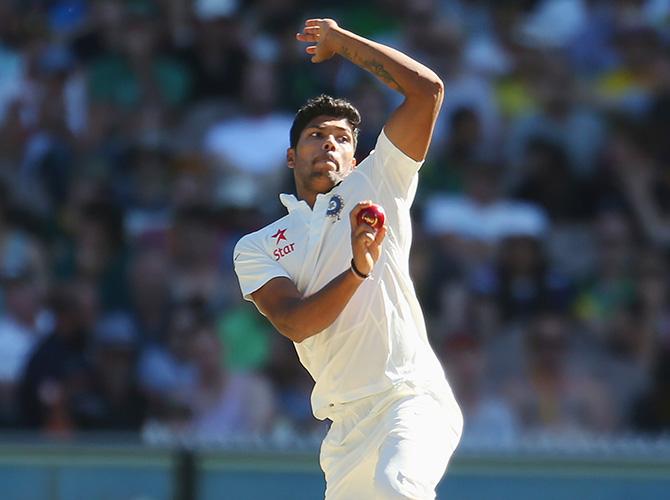 वेस्टइंडीज के बल्लेबाजों के साथ कुछ ऐसे खेल रहे थे उमेश यादव 11