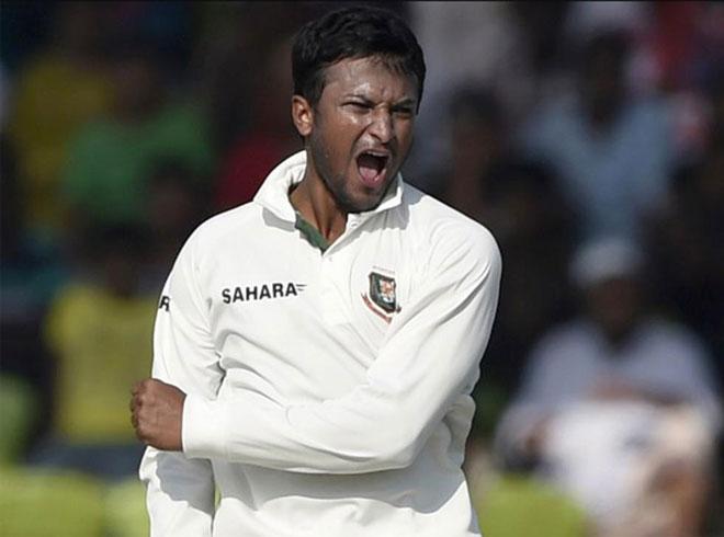 टेस्ट क्रिकेट के ऐसे खिलाड़ी जिन्होंने 5 विकेट भी लिए और शतक भी लगाया 11