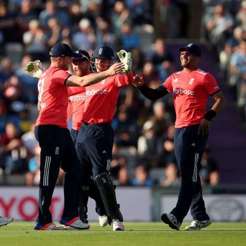 जोश बटलर ने इंग्लैंड के लिए बना डाला विश्व रिकॉर्ड 13