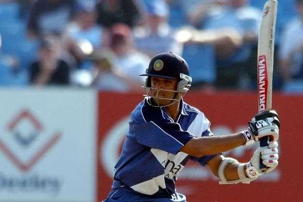 अजीबोगरीब टीमों से खेलने वाले 5 क्रिकेट खिलाड़ी
