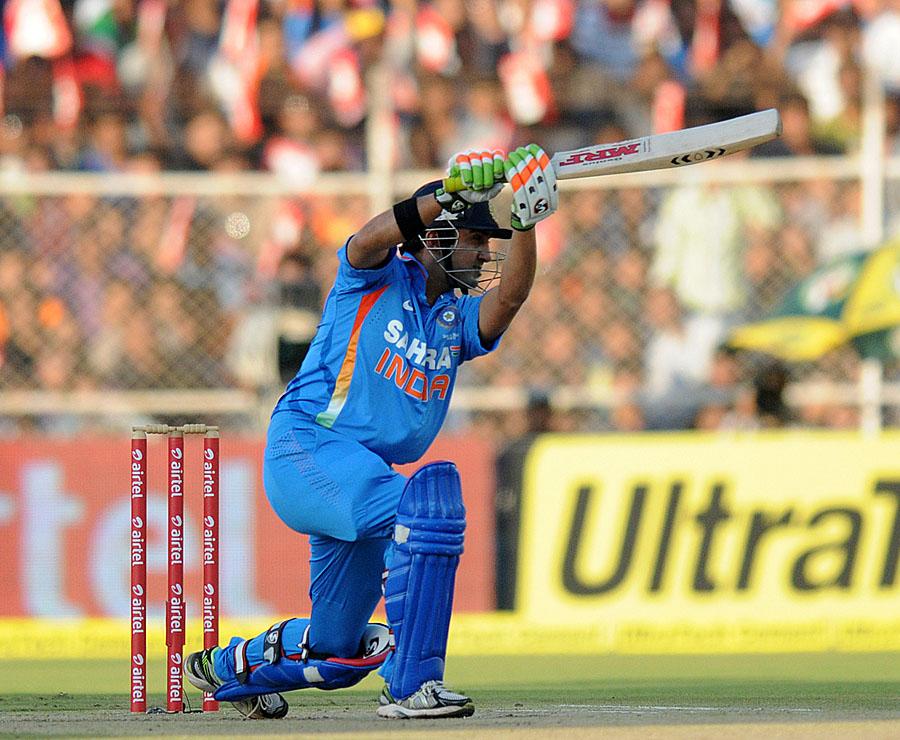 पहले 5 मैचो में एक कप्तान के तौर पर सबसे अधिक रन 1