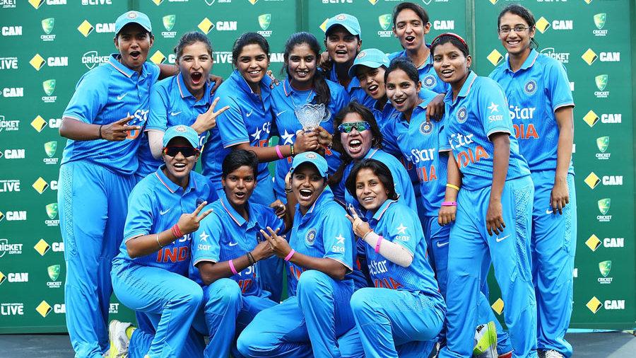 महिला विश्वकप फाइनल: भारत की हार के बाद बिशन सिंह बेदी और अमिताभ बच्चन ने कही दिल छु जाने वाली बात