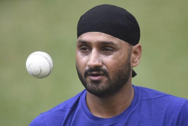 लम्बे समय से बाहर चल रहे दिग्गज ऑफ स्पिनर हरभजन सिंह को मिली टीम की कप्तानी 23