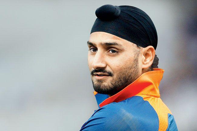 मुंबई इंडियंस और चेन्नई सुपर किंग्स नहीं बल्कि इस टीम से खेलना चाहते थे हरभजन सिंह, अब भावुक होकर कही ये बात 6