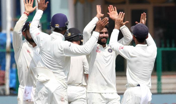 इंदौर टेस्ट : भारत ने न्यूजीलैंड को बैकफुट पर धकेला (216/6)