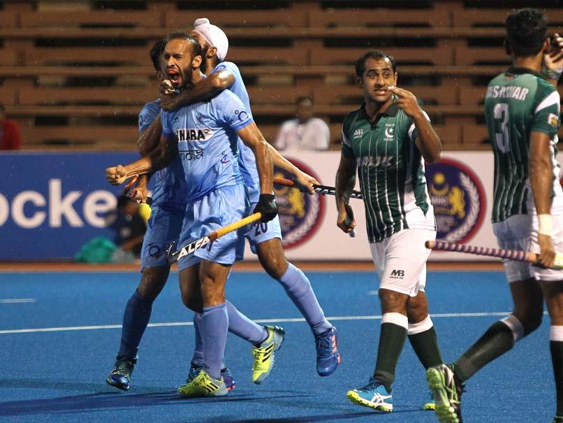 हॉकी : भारत ने पाकिस्तान को हराकर किया चैंपियंस ट्राफी पर कब्ज़ा 11