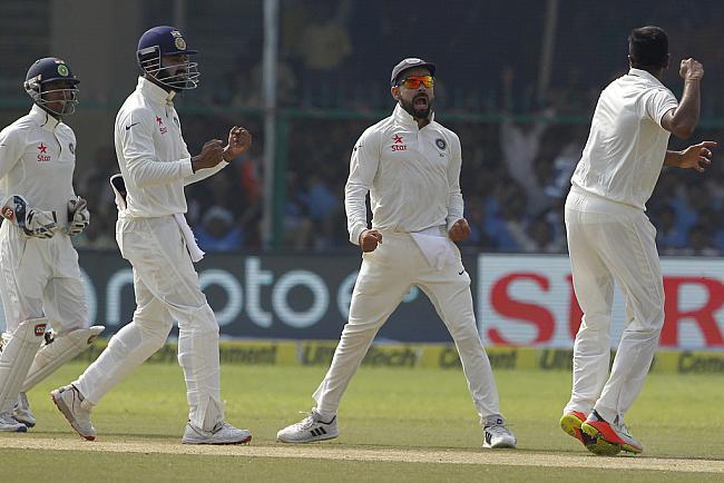 इंदौर टेस्ट : न्यूजीलैंड की पहली पारी 299 रनों पर सिमटी