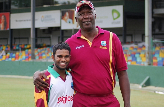 ये है क्रिकेट इतिहास के 5 सबसे लम्बे कद के खिलाड़ी, लम्बाई जानकर आपको भी होगी हैरानी 11