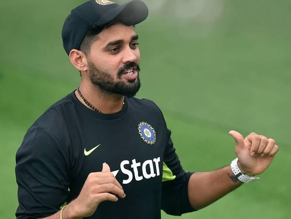 महेंद्र सिंह धोनी ने कप्तानी की एक अलग मिसाल पेश की है : मुरली विजय 9