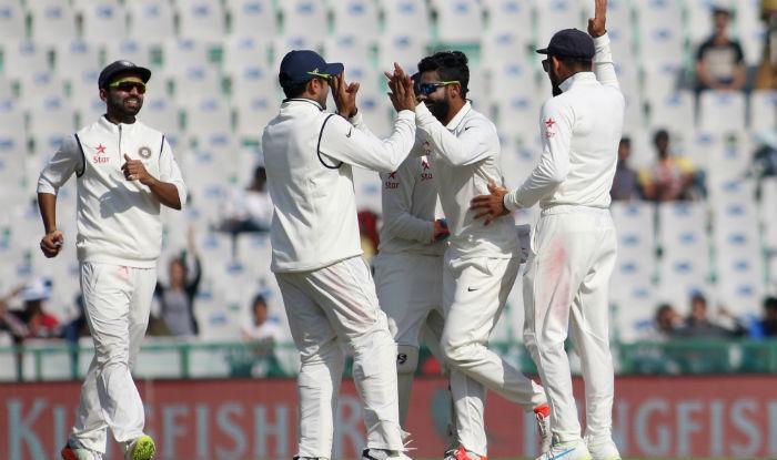 मोहाली टेस्ट : पहले दिन इंग्लैंड ने बनाए 268/8