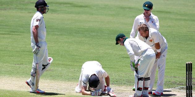 क्रिकेट के मैदान पर एक और खिलाड़ी हुआ जानलेवा हादसे का शिकार