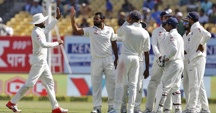 विडियो : देखे कैसे भारतीय तेज़ गेंदबाज़ ने विकेट के किये दो टुकड़े