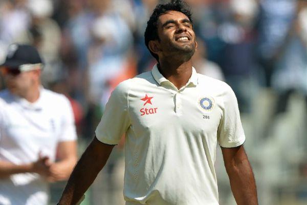 टीम में जगह न मिलने पर बीसीसीआई को खरी-खोटी सुनाने वाले इस खिलाड़ी को मिली चोटिल जयंत यादव की जगह 1