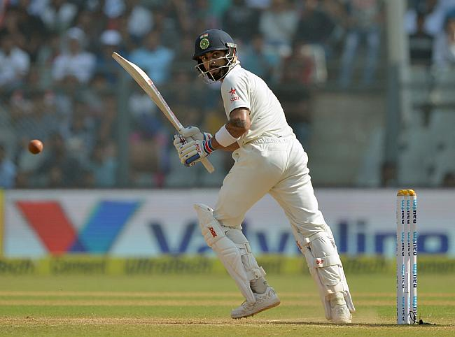 मैच रिपोर्ट: भारत ने बनाया इंग्लैंड पर बढ़त, तो शर्मनाक हरकत करते हुये कैमरे में कैद हुये विराट कोहली 38