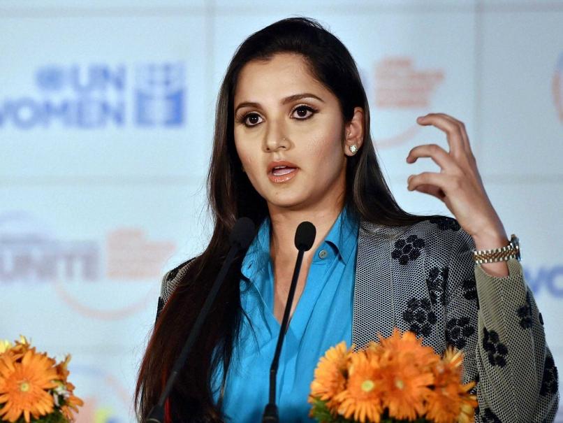चैम्पियन्स ट्राफी जीतने के बाद पाकिस्तानी प्रसंशक ने बनाना चाहा भारत का मजाक, सानिया ने दिया करारा जवाब