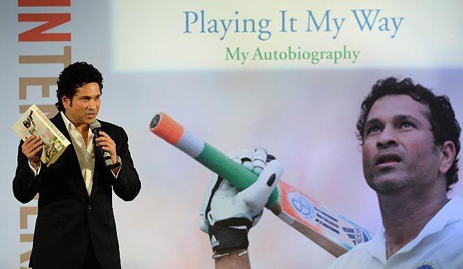 """सचिन तेंदुलकर की ऑटोबायोग्राफी """"प्लेइंग इट माय वे"""" कों साल की सबसे बढ़िया किताब का अवार्ड मिला"""