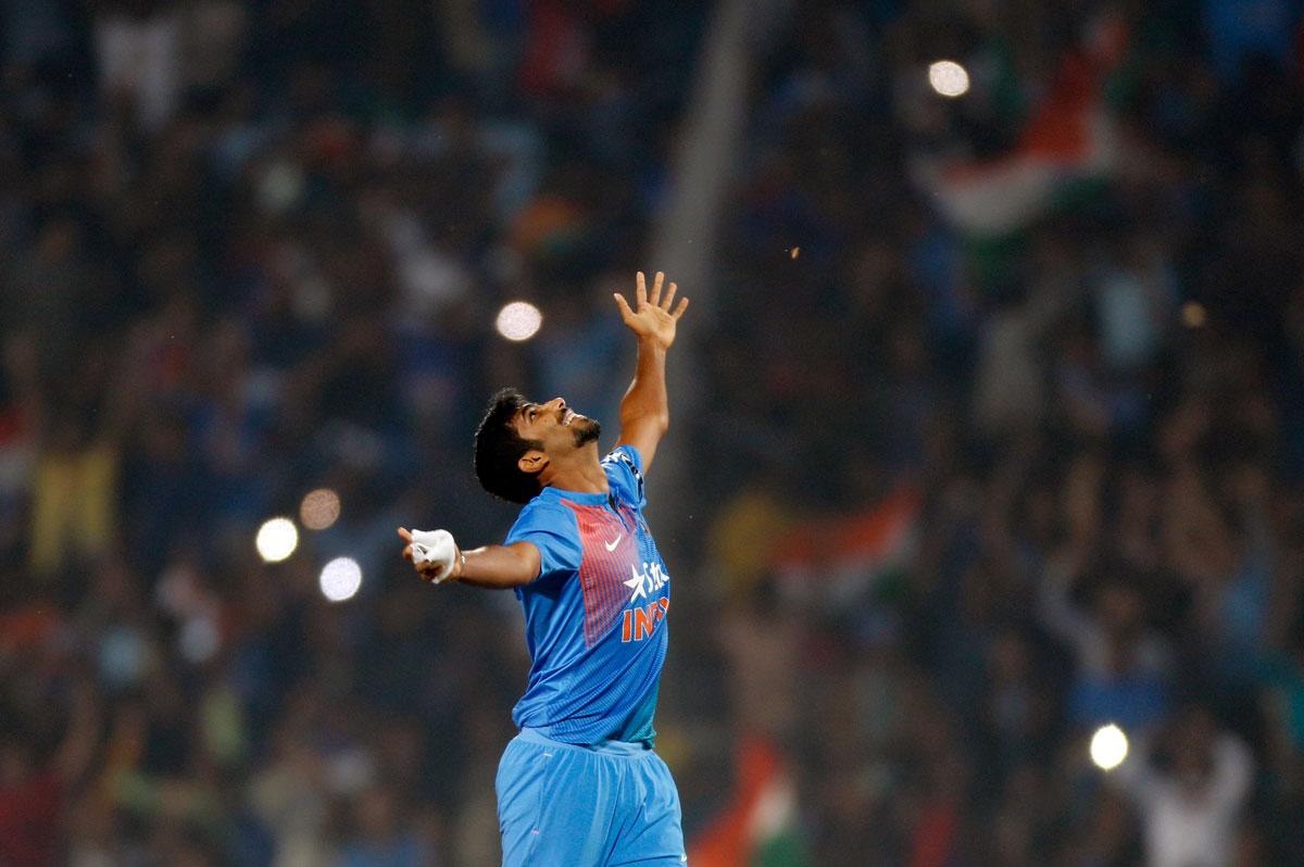 विडियो: आखिरी ओवर में कुछ इस तरह भारत को सीरीज हार से बचा गए बुमराह 40