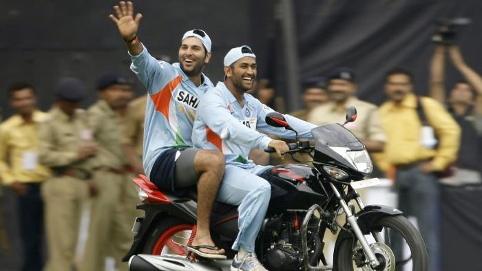 विडियो : महेंद्र सिंह धोनी ने आगामी वनडे सीरीज से पहले दी गेंदबाजों को चेतावनी