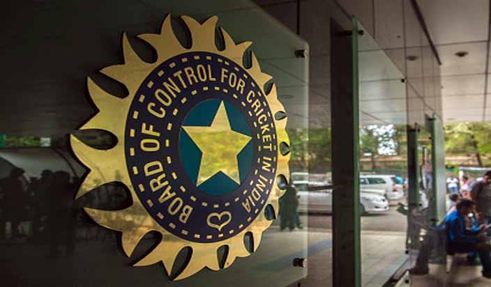 अध्यक्ष और सचिव के हटाए जाने के बाद एक बार फिर से बीसीसीआई पर गिर सकती है सर्वोच्च न्यायालय की गाज 6