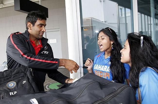 रविचंद्रन अश्विन के बैग का पहिया टूटा, रोहित शर्मा ने बताई यह वजह