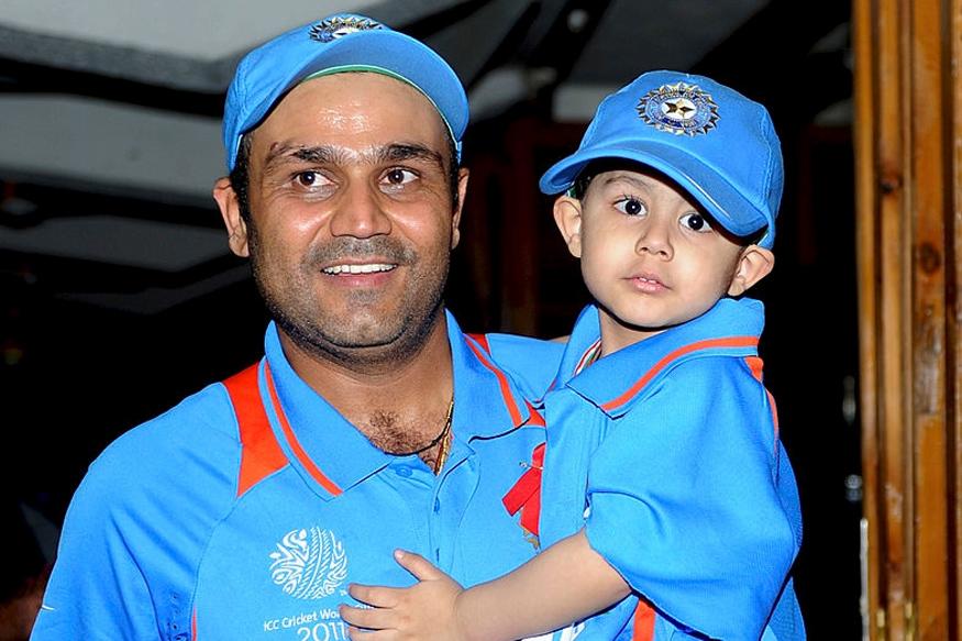 वीरेंद्र सहवाग ने साझा की अपनी और अपने बेटे की एक बचपन की खास तस्वीर