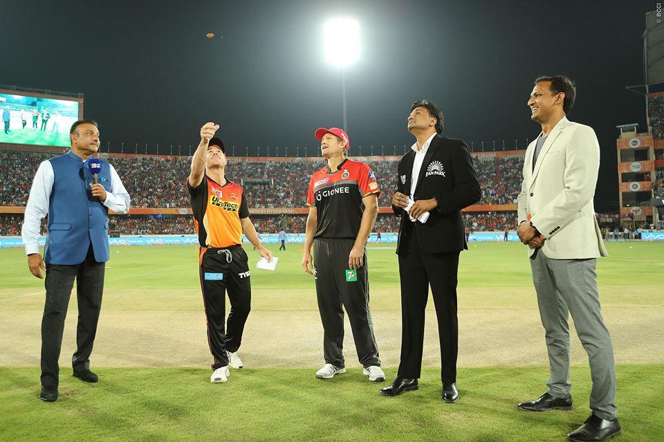 IPL 10: SRH VS RCB: रॉयल चैलेंजर बेंगलुरु ने टॉस जीता पहले गेंदबाज़ी का फैसला किया