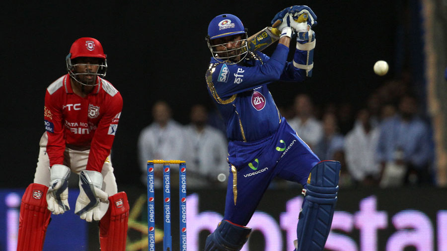 विडियो: जब हरभजन सिंह ने बना दिए थे केवल 24 गेंदों में 64 रन