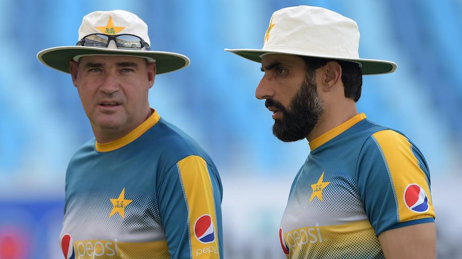 पाकिस्तान के कोच मिकी आर्थर के अनुसार पाकिस्तानी क्रिकेट में है आधुनिकता की कमी