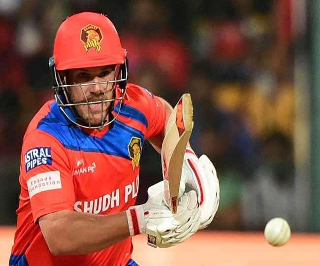 इस खिलाड़ी ने खुद खोला राज, कि क्यों कर रहे थे गेंदबाजो की इतनी धुनाई 34