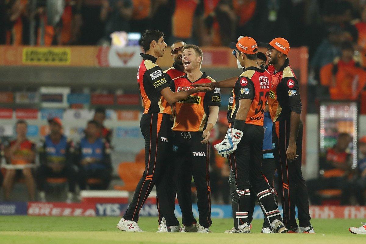 ट्वीटर प्रतिक्रिया: खुल गया राज इसलिए आज नेहरा ने किया खराब गेंदबाजी और बैंगलोर के सामने लुटाये रन