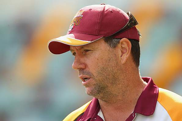 रोमांचक मैच में हार के बाद आईसीसी ने लगाया वेस्टइंडीज के कोच पर मैच फीस का 25% जुर्माना 29