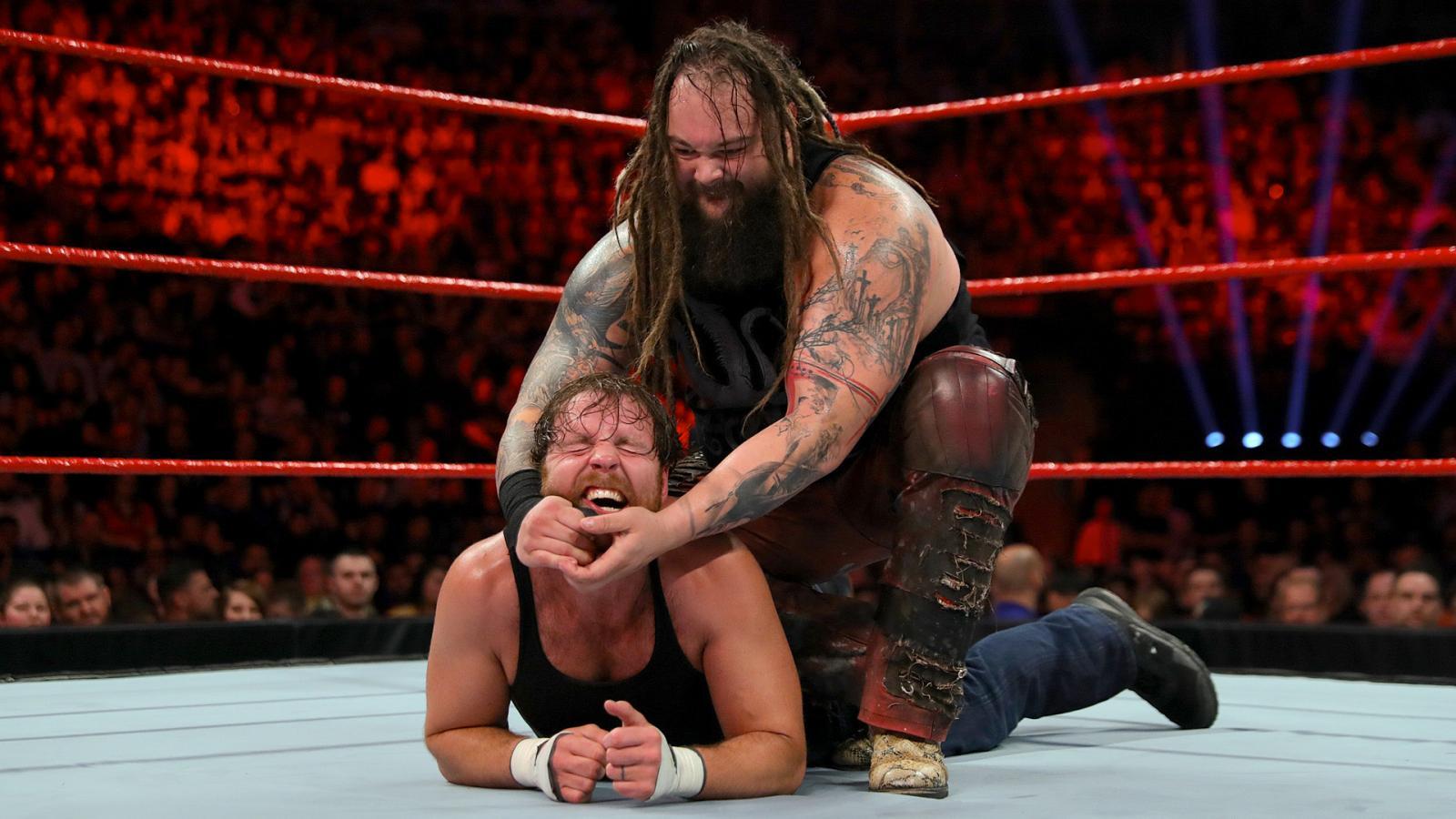 WWE RAW रिजल्ट्स : 9 मई 2017, दिग्गज रेसलर ने वापसी के साथ ही पूरा किया अपना बदला 40