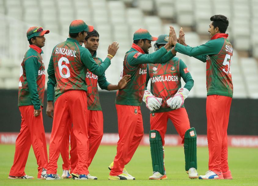 विडियो : आपने आजतक नहीं देखा होगा किसी बांग्लादेशी खिलाड़ी को ऐसा कैच पकड़ते हुए