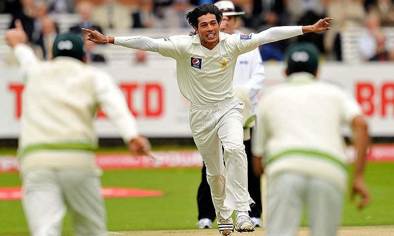 अपने गेंदबाज़ के बचाव में शोएब मलिक ने पूरी टीम को ठहराया इस बात का दोषी 32