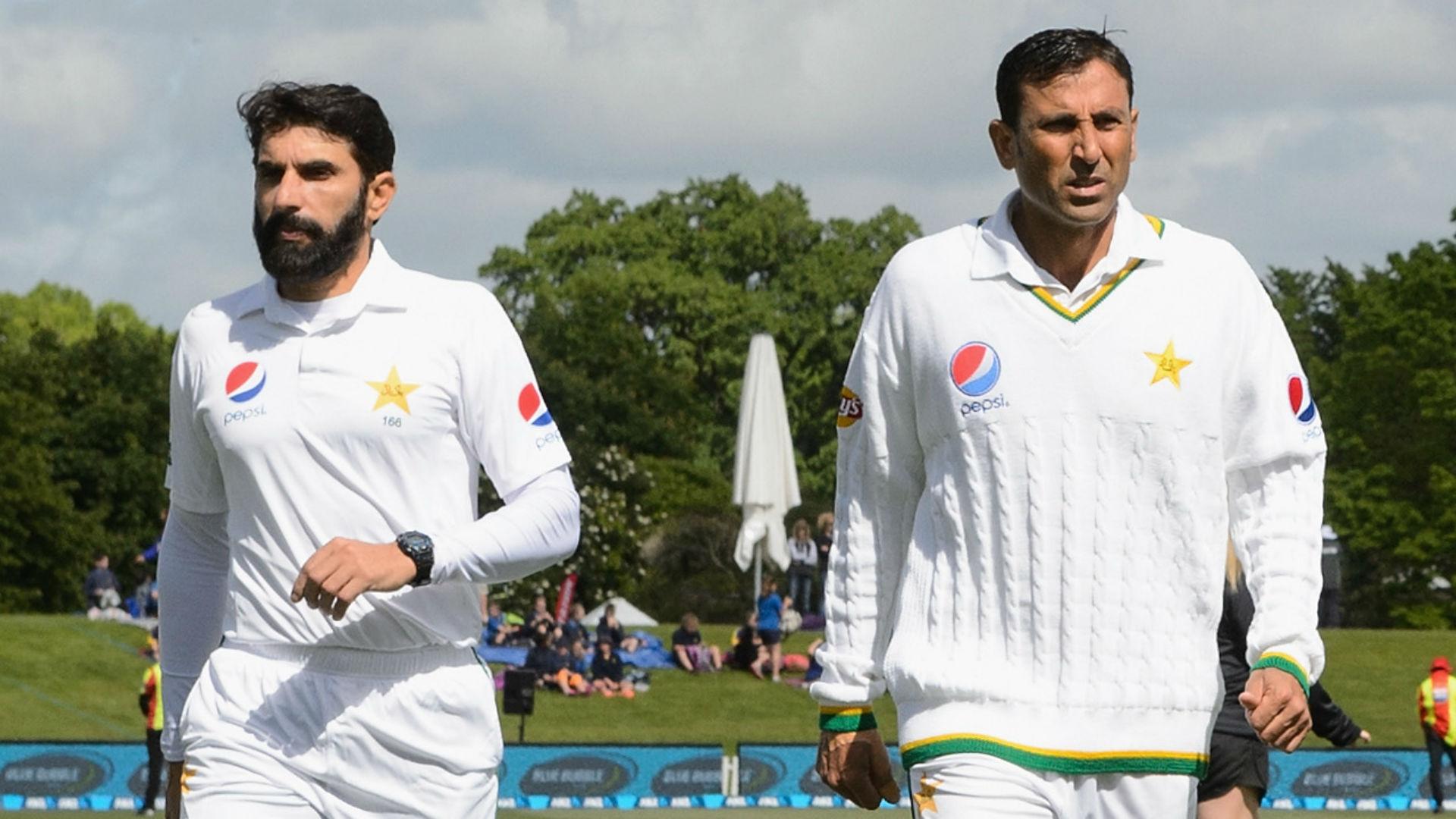 पाकिस्तान के 2 दिग्गजों के एकसाथ सन्यास लेने के फैसले के खिलाफ उतरे पूर्व दिग्गज खिलाड़ी 31