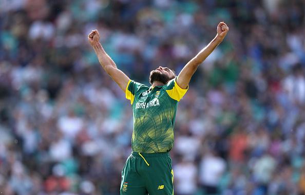 'मैन ऑफ द मैच' मिलने के बाद इमरान ताहिर ने बताया विकेट लेने के बाद भागने का राज