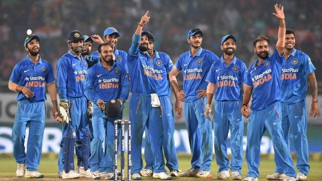 विराट कोहली समेत यह खिलाड़ी जल्द वनडे क्रिकेट में जड़ने वाले है यह खास शतक 30