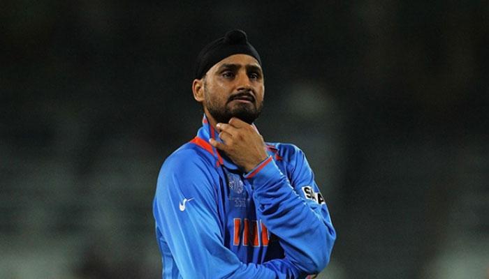 मुंबई इंडियंस और चेन्नई सुपर किंग्स नहीं बल्कि इस टीम से खेलना चाहते थे हरभजन सिंह, अब भावुक होकर कही ये बात 4