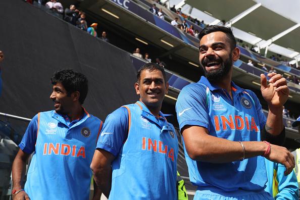 पाकिस्तान के खिलाफ मैच के दौरान विराट कोहली नहीं बल्कि महेंद्र सिंह धोनी ने की कप्तानी