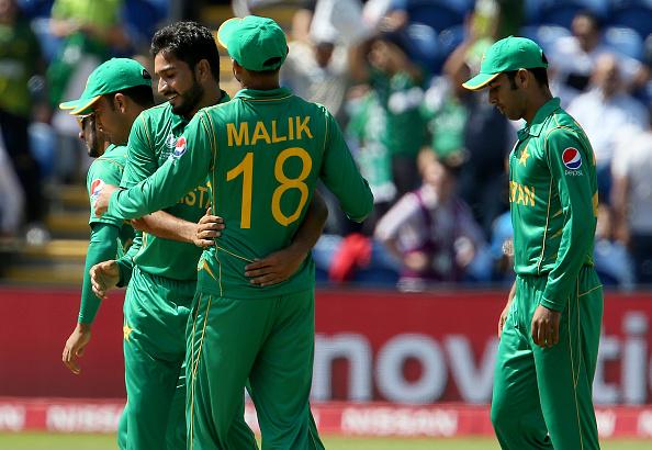 पाकिस्तान की जीत पर आकाश चोपड़ा और आरोन फिंच ने दी बधाई, लेकिन आज भी पाकिस्तान का मजाक बना गये सर जडेजा 5