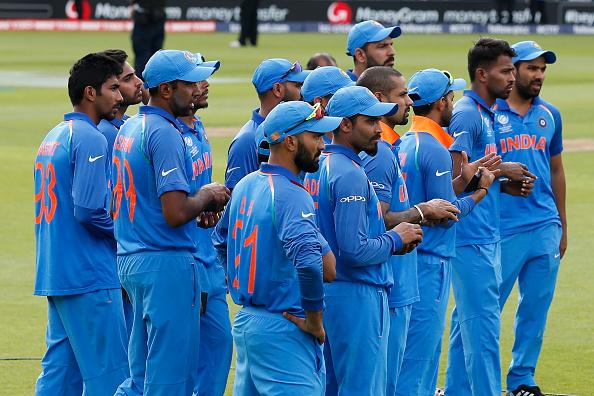 महेंद्र सिंह धोनी की आलोचना करने वाले हर्ष गोयनका ने फाइनल में हार के बाद पूरी टीम इंडिया का उड़ाया मज़ाक