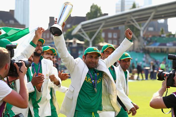 पाक के महान खिलाड़ी ने चैंपियंस ट्राफी जीतने के बाद सरफराज अहमद को नहीं बल्कि इस खिलाड़ी को दिया जीत की बधाई