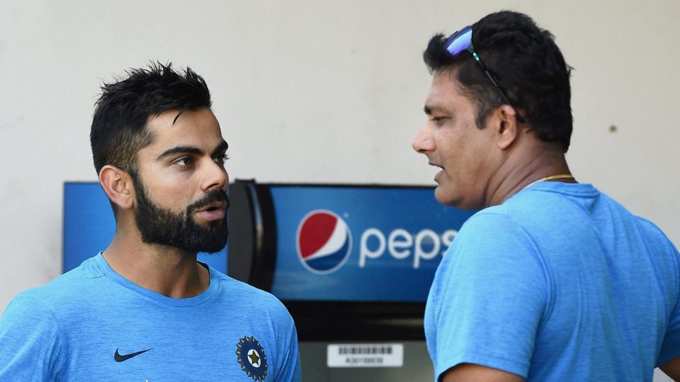 आकाश चोपड़ा हुए कुंबले के फैसले से निराश कहा कोच और कप्तान की लड़ाई  में क्रिकेट की हुई हार 3