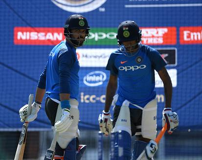 विडियो : युवराज सिंह और हार्दिक पंड्या ने मैच के बाद किया कुछ ऐसा, जिससे झलकता है इनके अंदर नहीं है भारतीय सेना के लिए कोई सम्मान 13
