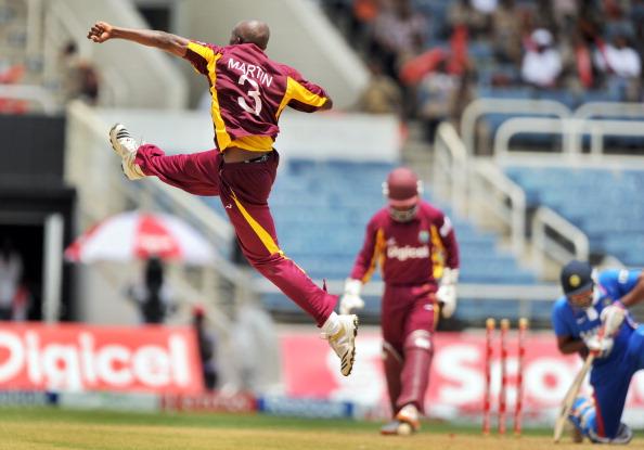 कभी भारत के सामने वेस्टइंडीज की साख बताने वाले इस खिलाड़ी ने अपने ही बोर्ड पर लगाये ये गंभीर आरोप 5